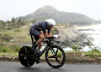 Froome ya mira a la Vuelta y al reto de lograr el doblete