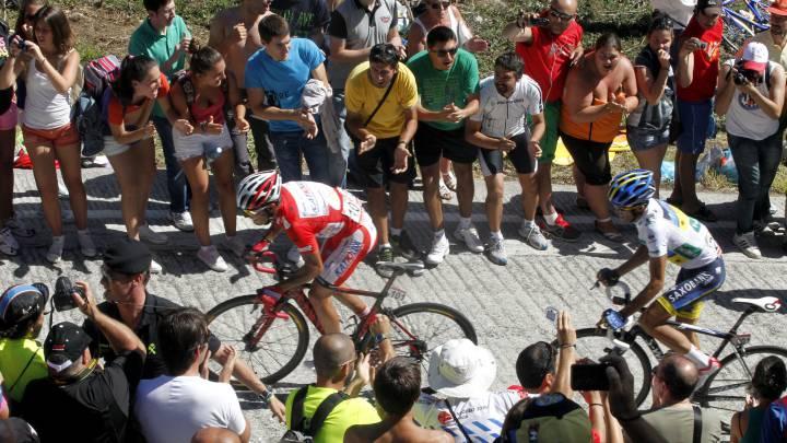 Los ciclistas temen la subida a Ézaro en las redes sociales