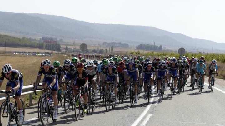 Trece ciclistas han \