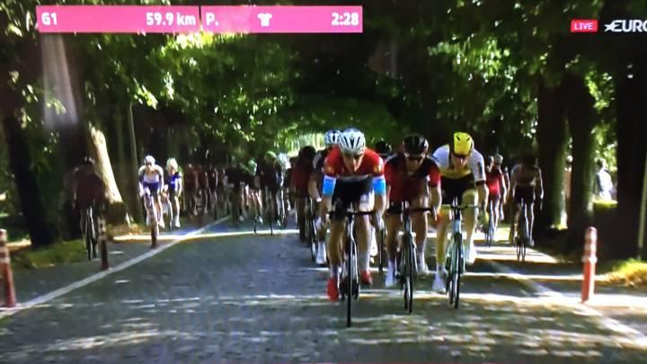 Los bolardos amenazan a los ciclistas en el Eneco Tour