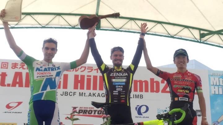 Oscar Pujol vuelve a la competición con victoria