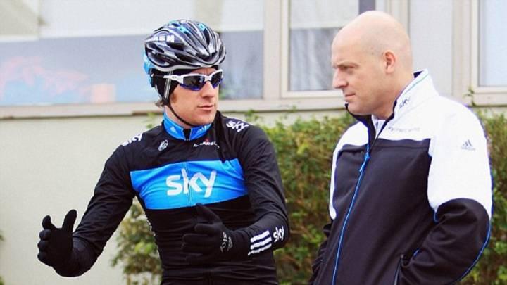 Brailsford tilda de estúpidas las acusaciones contra él y el Sky