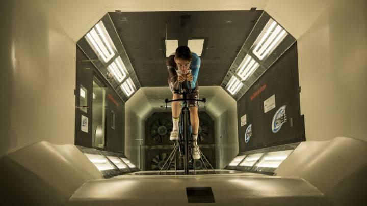 Bardet, en el túnel del viento... ¿para asaltar el Giro?