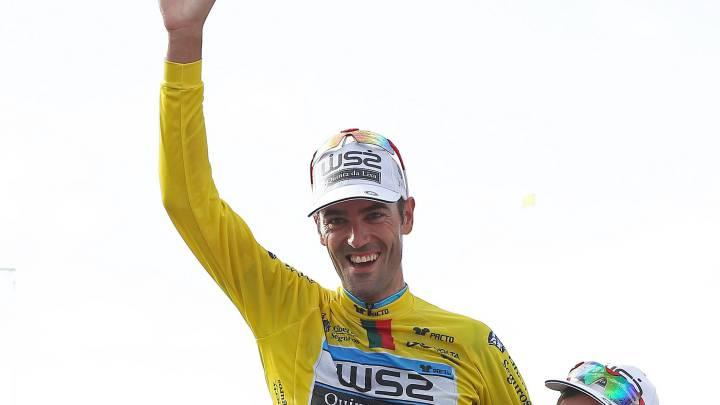 El ciclista gallego, ganador de la Vuelta a Portugal en 2014 y 2015, seguirá como líder de la escuadra lusa, que ha decidido renovar a todos los corredores españoles del equipo.