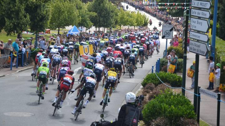 La UCI no admitirá la reducción de ciclistas para 2017