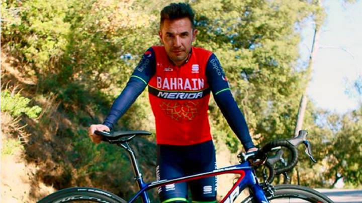 Aunque retirado, Purito felicita 2017 con el maillot del Bahrain
