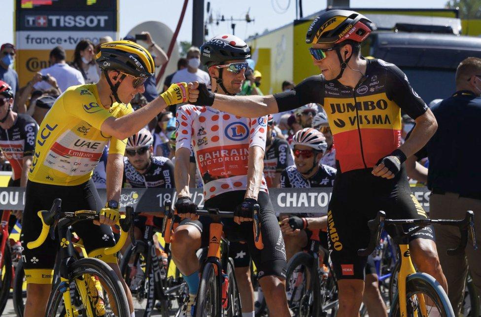 Tadej Pogacar y Wout van Aert antes de comenzar la última etapa del Tour de Francia 2021