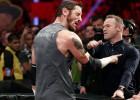Wayne Rooney abofetea a un luchador de la WWE