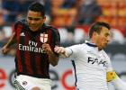 El Milan de Carlos Bacca pierde en casa ante Bologna