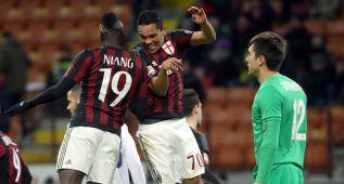 Al Milan le basta con Carlos Bacca para soñar con Europa