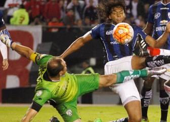 Azcona, el portero que le hizo pequeño el arco a River Plate
