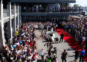 Indy 500: Fiesta y estrellas desfilan por la alfombra roja