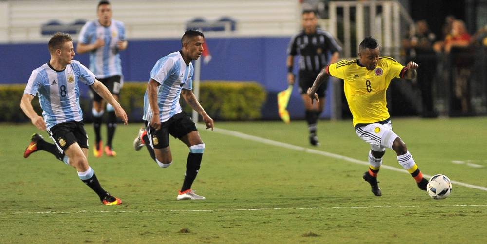 Resumen del Colombia 0-0 Argentino en juego amistoso en Miami antes de los Juegos Olímpicos. Harold Preciado tuvo un remate en el palo y Calleri falló un penal sobre el final.