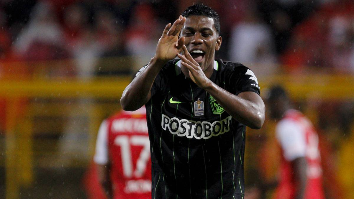 Flamengo anunció a Orlando Berrío como refuerzo