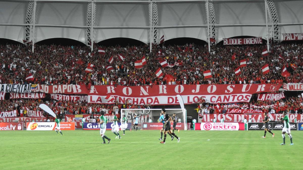¿Cuál es el clásico de Colombia, FPC y Liga Águila? América vs. Nacional, Millonarios vs. Nacional, Deportivo Cali vs. Millonarios y Santa Fe vs.
