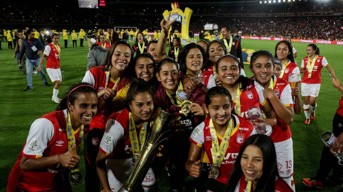 Final Femenina  Santa Fe campeón y récord de asistencia - AS Colombia d0f6e897670c5