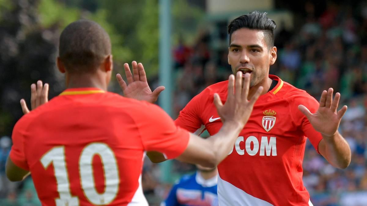 Falcao marca en triunfo 4-2 del Mónaco ante Stoke en amistoso