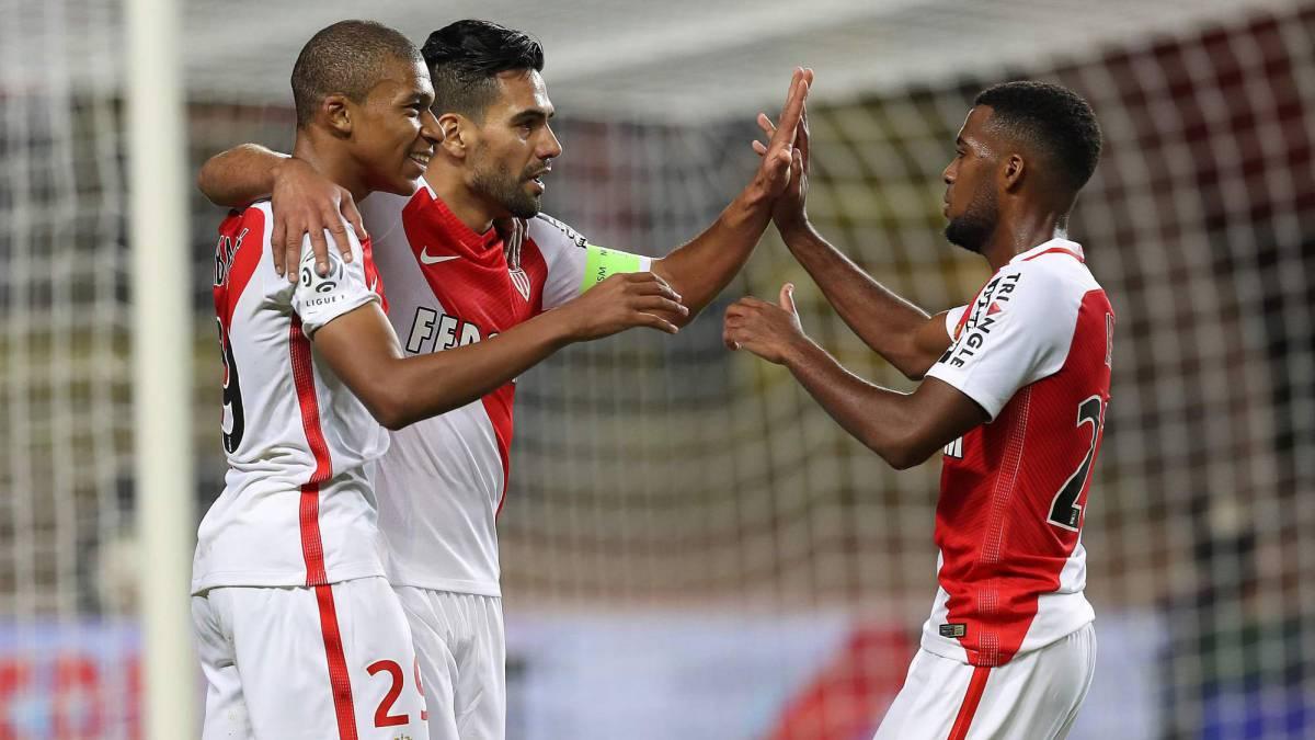 Monaco abre la Ligue 1 con victoria y lesión de Mbappé