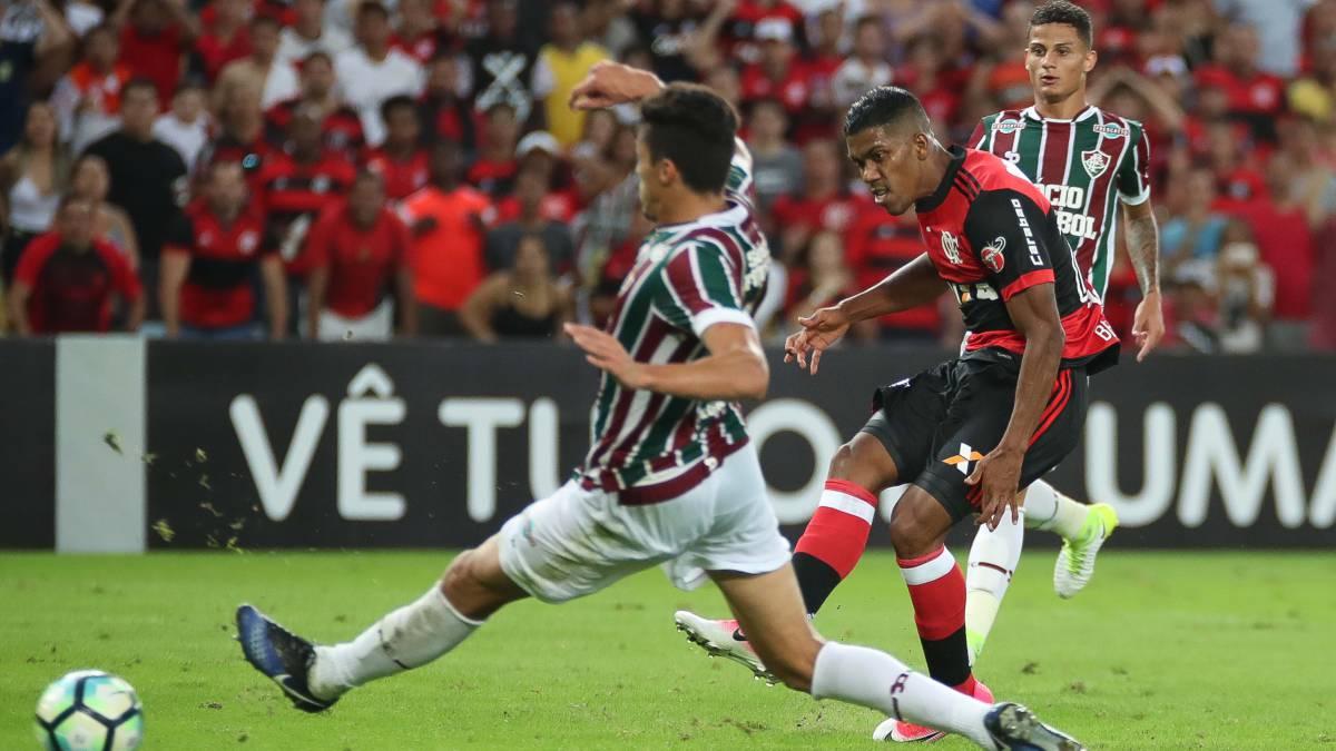 Paolo Guerrero volvió a sentirse en práctica del Flamengo y genera preocupación