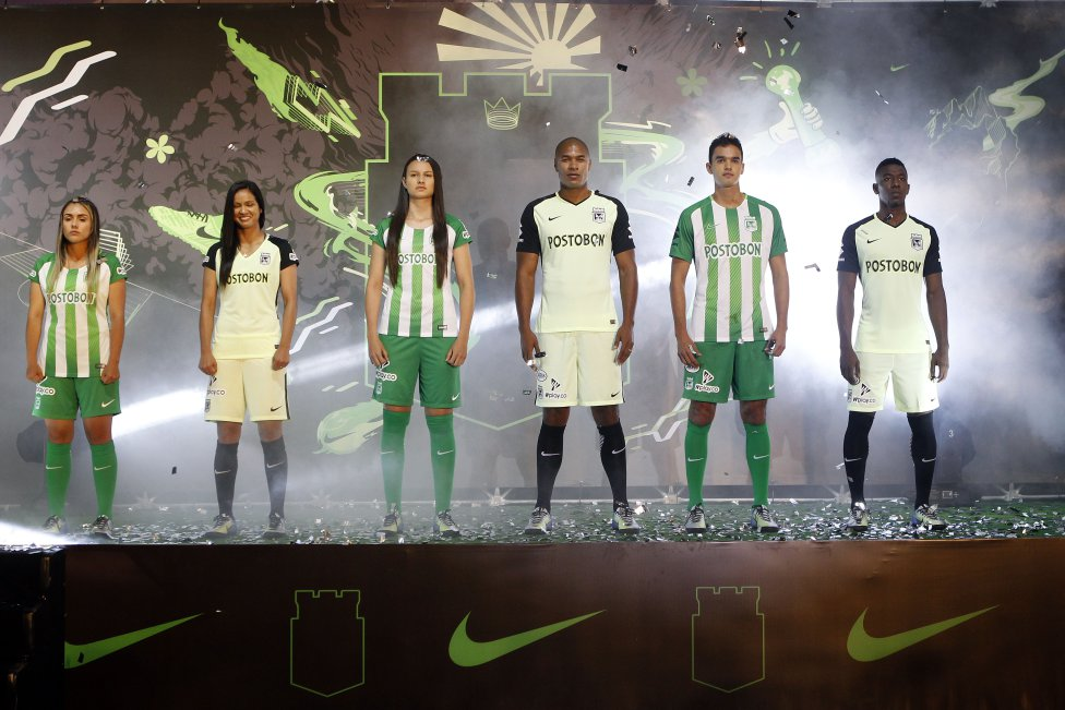 Atlético Nacional presentó su nueva camiseta con la que enfrentará la Copa  Libertadores f9cd4c1415bc3