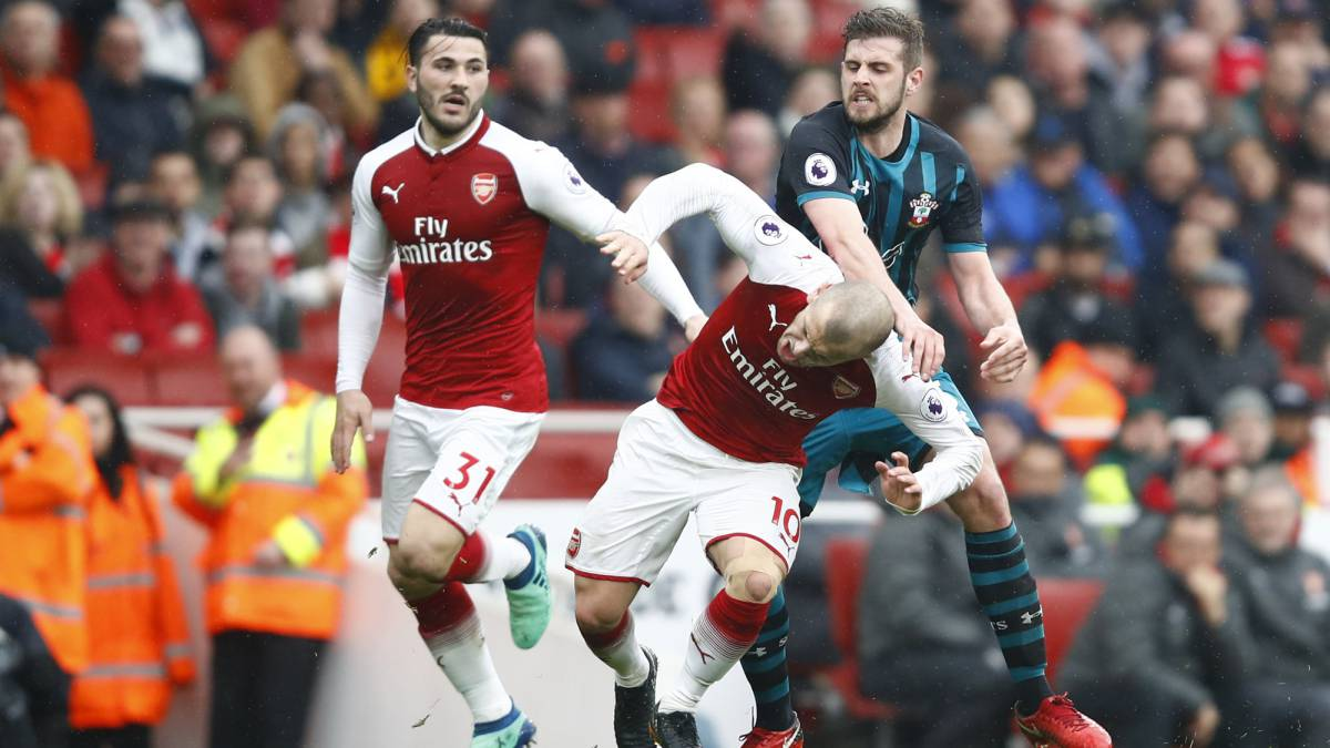 Arsenal sufrió para instalarse en las Semifinales de Europa League