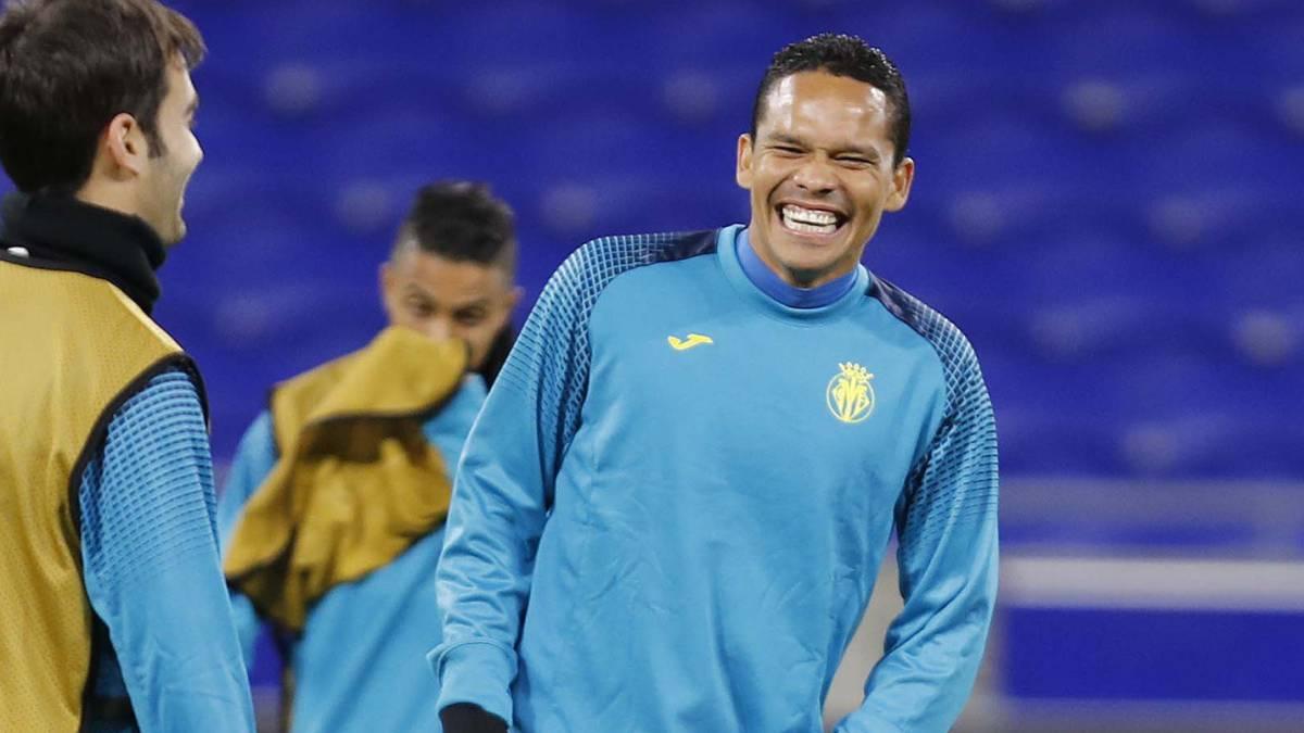 """Layún observa desde la banca el empate del Sevilla ante Villarreal"""""""