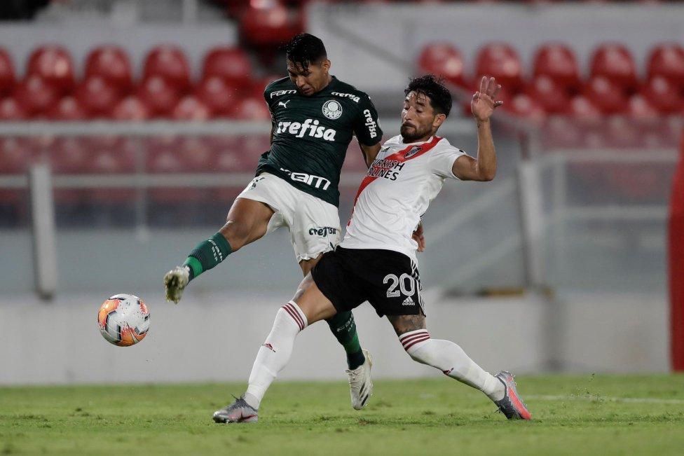 Palmeiras golea a River Plate en el Estadio Libertadores de América y complica la llave para el equipo de Rafael Santos Borré y Jorge Carrascal, quien salió expulsado