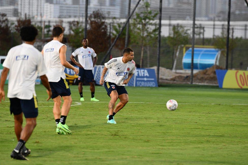 El equipo de Reinaldo Rueda realizó un nuevo entrenamiento en la sede deportiva de la FCF en Barranquilla. Esta viernes viajará a Brasil para el torneo de naciones.
