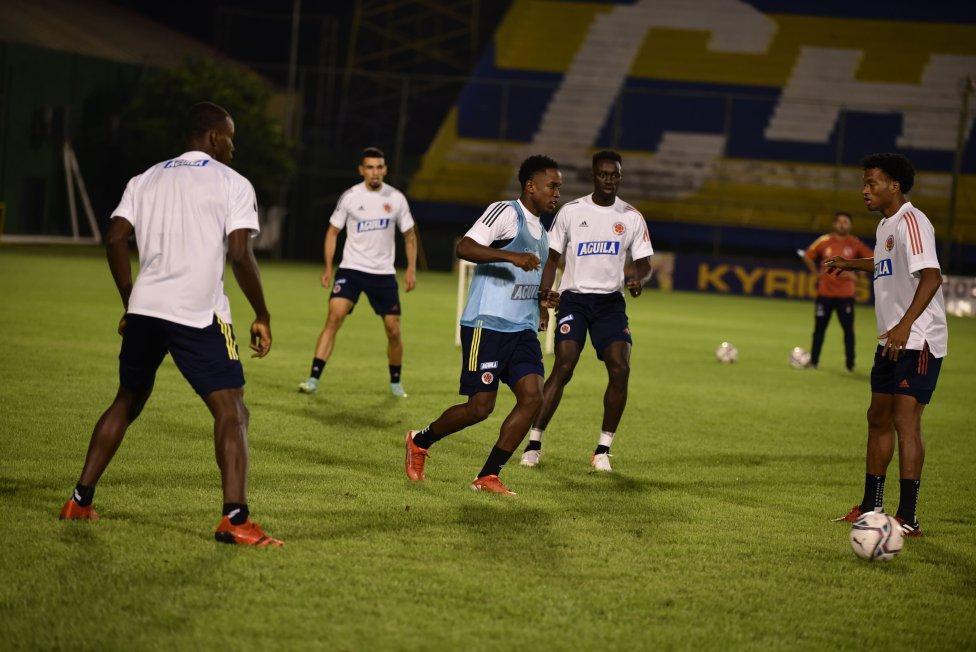 Última práctica de Colombia antes de enfrentar a Paraguay