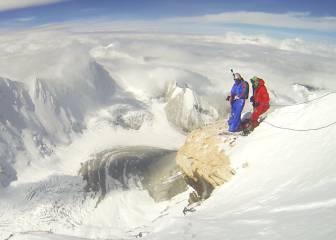 Nuevo récord del mundo de salto BASE desde 7.700 metros de altura