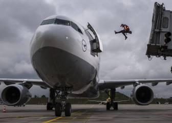 Parkour en el aeropuerto para coger el avión en el último momento