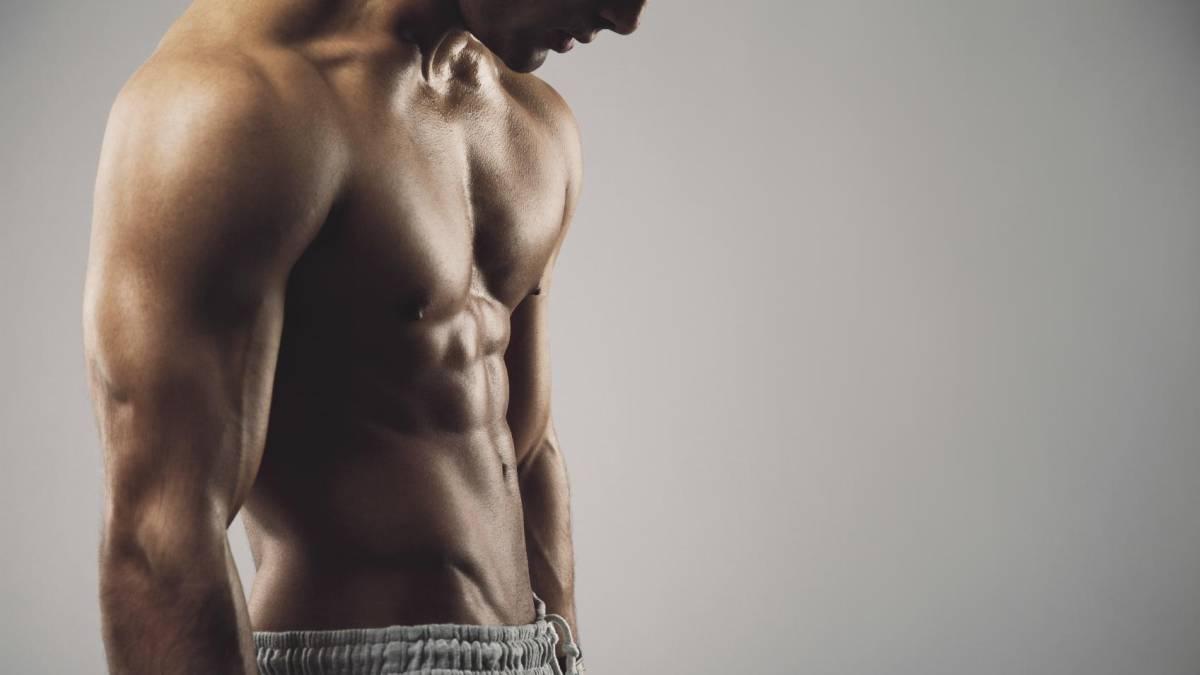 7 maneras de hacer abdominales en la piscina - AS.com