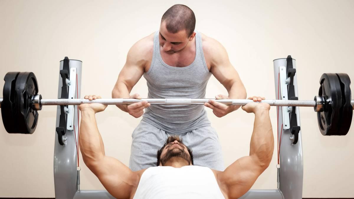 Los 4 ejercicios fundamentales para entrenar el pecho - AS.com