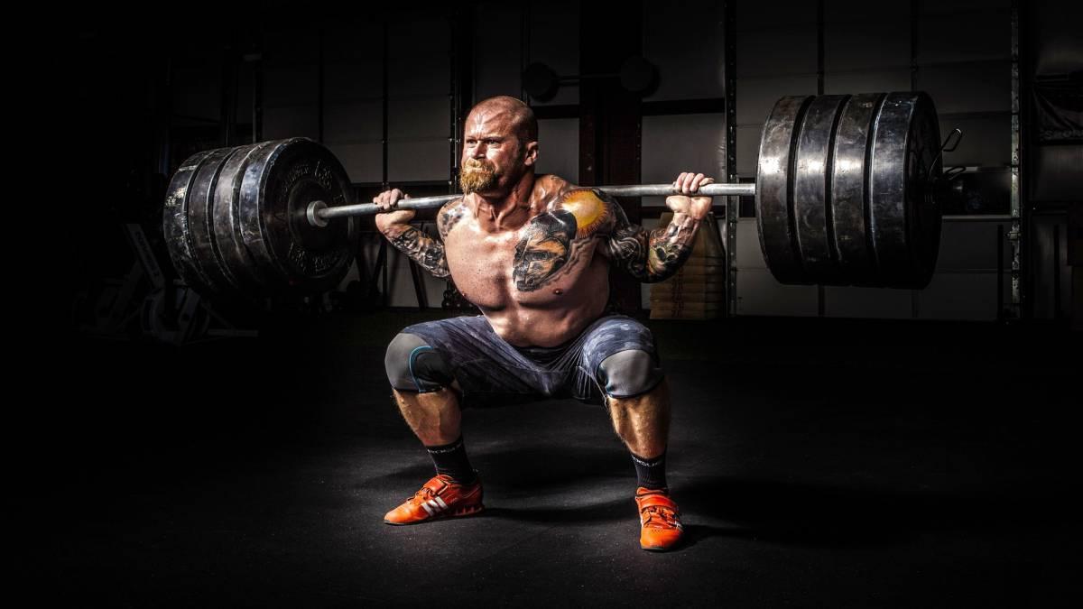 Fitness: 8 ejercicios básicos para desarrollar la musculatura de ...