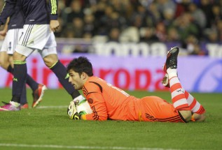 "Real Madrid keeper Adán believes he is ""ready"""