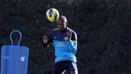 Eric Abidal given the all clear from doctors to play for Barca
