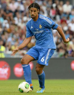 Khedira set to continue with Madrid, says agent