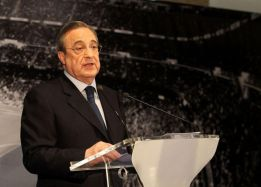 """1379590504 007565 1379590578 noticia normal Florentino Perez takes another swipe at Arsenals Mesut Ozil: He couldn't take the pressure at Madrid"""""""