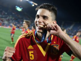 Del Bosque calls up Bartra as Fàbregas out injured
