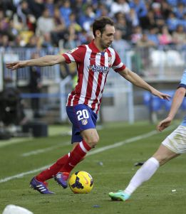 Juanfran available against Barça after yellow card rescinded