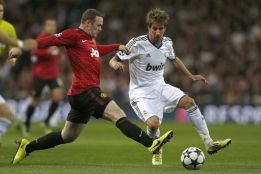 Man United close to sealing Coentrão loan deal