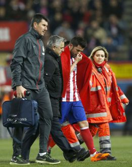 Villa suffers hamstring injury and is a doubt for Madrid derby