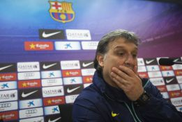 Barça boss Martino: Messi has seen specialists about vomiting