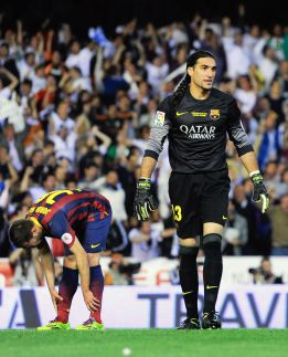 Pinto tells his teammates he's leaving Barcelona