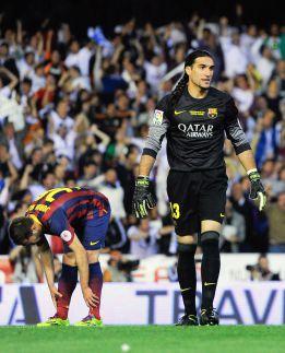 Pinto tells his teammates he's leaving Barcelona