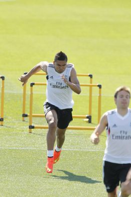 Madrid's Casemiro, close to a loan deal with Porto