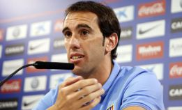 Bayern boss Reschke heading to Madrid in search of Godín