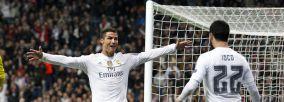 Cristiano celebrando un gol con Isco en el Bernabeu