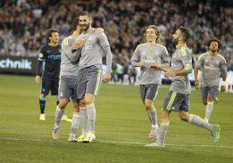 Arsenal set aside 65M for Benzema raid