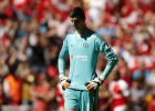 Courtois, operated on in Barcelona and out for 4 months